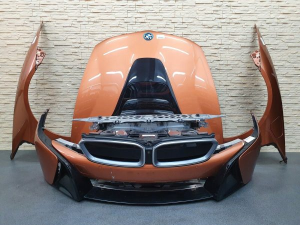 BMW i8 front end complete, bumper, radiator, hood and fenders